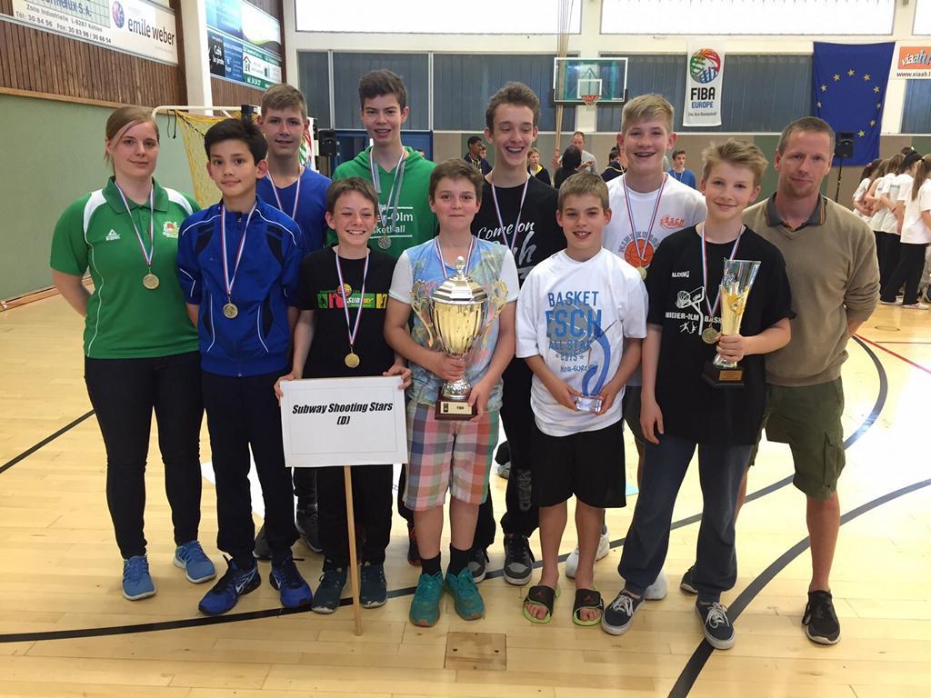 2015 05 Shooting Stars Turnier Esch Mannschaft Pokale